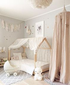 55 Best Montessori Bedroom Design For Happy Kids 0034 Çocuk Odası Baby Bedroom, Baby Room Decor, Girls Bedroom, Girl Nursery, Nursery Ideas, Childrens Bedroom, Kid Bedrooms, Room Baby, Child Room