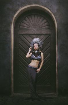 Headdress: Karonell  FB: https://www.facebook.com/Karonell-313261015543223/notifications/?section=activity_feed    Photo: https://www.facebook.com/NinaJaniakFotograf/