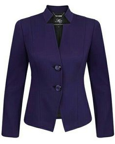 Classic Outfits, Chic Outfits, Suits For Women, Clothes For Women, Winter Typ, Corporate Wear, Office Outfits Women, Blazer Jackets For Women, Business Attire