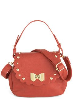 Says It All Bag, from ModCloth. Love the scallops!