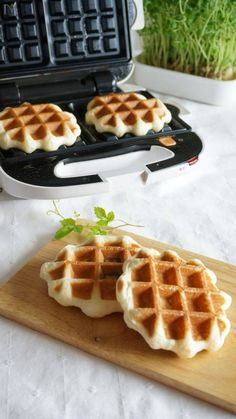 Cafe Food, Food To Make, Waffles, Deserts, Dessert Recipes, Ice Cream, Sweets, Meals, Baking