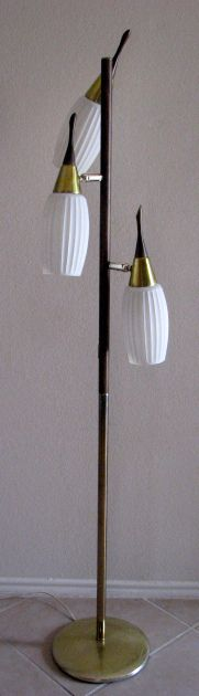 Mid-century Floor Lamp/ we have this exact lamp at our lake house!!