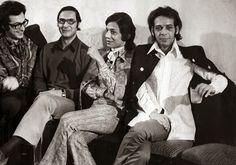Noiva com Classe: Vestidos de noiva: memória nacional (Dener e Clodovil)  Da esquerda para a direita: Ronaldo Ésper, José Gayegos (modelista e braço direito de Dener), Clodovil Hernandes e Dener Pamplona de Abreu.