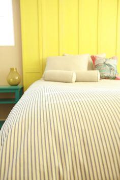 Master bed Classic dark blue and white ticking stripe duvet