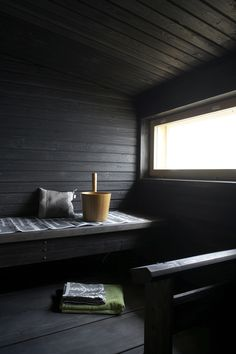sauna - dark wood and natural light Jacuzzi, Portable Sauna, Sauna Design, Outdoor Sauna, Finnish Sauna, Summer Cabins, Sauna Room, Spa Rooms, Steam Room