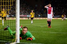 Het gedrag van Anwar El Ghazi tijdens NAC Breda-Ajax is bij Ajax ter sprake gekomen schrijft De Telegraaf. De aanvaller wilde tegen NAC de penalty nemen en vroeg in welke hoek Kolbeinn Sigthorsson hem zou schieten voor een eventuele rebound.
