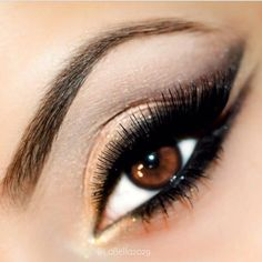 Images and videos of eye makeup All Things Beauty, Beauty Make Up, My Beauty, Beauty Hacks, Hair Beauty, Beauty Tips, Benefit Cosmetics, Mac Cosmetics, Kiss Makeup
