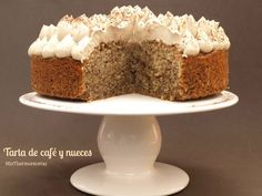 Tarta de café y nueces - MisThermorecetas Venezuelan Food, Just Cakes, Pound Cake Recipes, Almond Cakes, Dessert Recipes, Desserts, Coffee Cake, Sin Gluten, Yummy Cakes