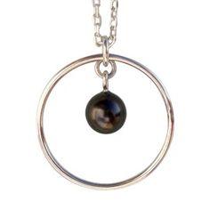 Collier Céleste avec une perle de Tahiti dans un anneau en argent