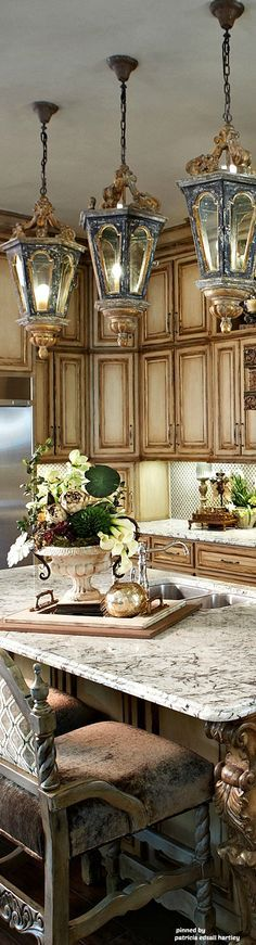 Mediterranean/Tuscan/Old World Decor Love the cabinets.