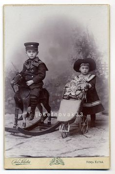 Atelier Silaba Kutné Hora - Children With Toys, via Flickr.
