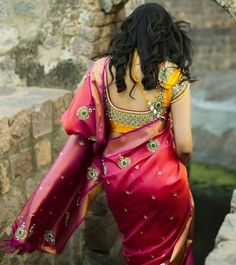 To help you out with your wedding look, we bring to you some stunning stonework blouse designs which you can easily flaunt. Read on to check them all out. Patch Work Blouse Designs, Fancy Blouse Designs, Bridal Blouse Designs, Blouse Neck Designs, Sari Bluse, Stone Work Blouse, Blouse Models, Dress Models, Beautiful Blouses