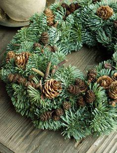 dekoration Woodland Christmas, 1st Christmas, Outdoor Christmas, Rustic Christmas, Christmas Wreaths, Christmas Decorations, Xmas, Holiday Decor, Natural Christmas