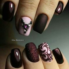 Beautiful nail art designs that are just too cute to resist. It's time to try out something new with your nail art. Fancy Nails, Cute Nails, Pretty Nails, Fabulous Nails, Gorgeous Nails, Nagel Hacks, Nagellack Design, Fall Nail Art Designs, Burgundy Nails