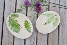 Seifenschale aus Keramik, Pflanzendruck, Natur, Seifenablage, Küche und Bad Ceramic Soap Dish, Hand Shapes, Bad, Recycling, Delicate, Hand Painted, Etsy Shop, Ceramics, Plants