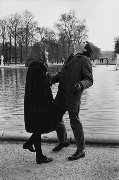 "Paris 1962 ""The Tuileries Gardens. Sofia LOREN and Anthony PERKINS. What an odd man to work with!"