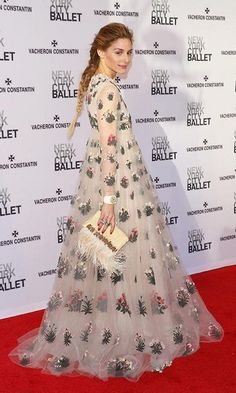 Olivia Palermo wears glamorous, vintage-inspired look to ballet