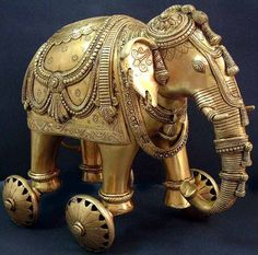 Find exquisite Brass Sculptures showcasing Lord Ganesha, Nataraja, Bodhisattva & other fascinating sculptures only at ExoticIndia, your one stop shop for Indian Art. Indian Elephant, Elephant Love, Elephant Art, White Elephant Gifts, Vintage Elephant, Ganesha, Exotic Homes, Elephant Parade, Indian Home Decor