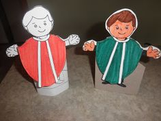 Just Like Mary: Paper Doll Priests - the kids had so much fun with these.added some glitter glue for an extra sparkle! Catholic Mass, Catholic Priest, Catholic Schools Week, Catholic Homeschooling, Christian Crafts, Religious Education, Sunday School Crafts, Doll Stands, Paper Dolls