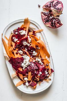 Eine neue, frische Idee kommt immer super an, wie beispielsweise unsere gesunde Beilage zum Grillen: Der Granatapfel, Karotten, Rote Bete und Feta Salat. Er schmeckt würzig und ist einfach mal wieder etwas Neues.