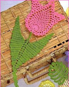 Irish lace, crochet, crochet patterns, clothing and decorations for the house, c. Filet Crochet, Crochet Motifs, Crochet Potholders, Irish Crochet, Crochet Doilies, Crochet Flower Tutorial, Crochet Flower Patterns, Doily Patterns, Flower Applique