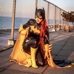 Batgirl by Amanda Lynne cosplay Cosplay Dc, Batgirl Cosplay, Batgirl Costume, Superhero Cosplay, Cosplay Anime, Comic Con Cosplay, Cosplay Outfits, Best Cosplay, Cosplay Girls