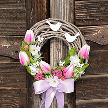 Veniec s ružovými tulipánmi / Hydrangea - SAShE.sk - Handmade Dekorácie Happy Easter, Easter Bunny, Easter Pillows, Easter Table, Grapevine Wreath, Flower Arrangements, Mandala, Diy Projects, House Design