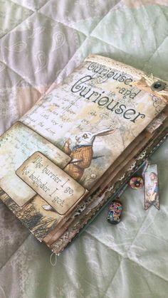 """Making """"Alice in Wonderland"""" notebook. Junk Journal, Art Journal Pages, Bullet Journal Books, Bullet Journal Ideas Pages, Bullet Journal Inspiration, Art Journals, Vintage Journals, Sketch Journal, Fabric Journals"""