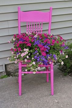 Chairs for Your Breathtaking Outdoor Furniture Here are types of garden chairs you could select for the amazing rustic decoration of your courtyard.Here are types of garden chairs you could select for the amazing rustic decoration of your courtyard. Garden Types, Diy Garden, Garden Planters, Garden Projects, Garden Art, Herb Garden, Garden Pond, Garden Shade, Gravel Garden