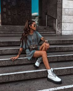 Sunglasses summer fashion style doc martins s. - Sunglasses summer fashion style doc martins s… – Model Poses Photography, Fashion Photography, Free Photography, Photography Reflector, Photography Hashtags, Teenage Girl Photography, Photography Books, Photography Backgrounds, Wildlife Photography