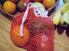 duh ive got a drawer full of these i cut them open to use for crochet kitchen scrubbers this is a good idea!~ Reusable Produce Bag from Orange/Onion Bag Bead Crochet, Free Crochet, Basic Crochet Stitches, Crochet Patterns, Sewing Patterns, Produce Bags, Sewing Lessons, Orange Bag, Filets