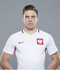Jan Bednarek Robert Lewandowski, Football Team, Poland, Polo Ralph Lauren, Vogue, Sports, Mens Tops, Athletes, Fashion