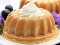 Dulce de Leche Gelatin recipe from our dessert recipes collection Jello Desserts, Sweet Desserts, Just Desserts, Sweet Recipes, Delicious Desserts, Yummy Food, Gelatin Recipes, Jello Recipes, Mexican Food Recipes