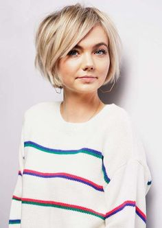 Short Blunt bob - - Kurzer stumpfer Bob - - , Short Blunt bob - - , curl hairstyle Source by Bob Haircuts For Women, Short Bob Haircuts, Pixie Bob Haircut, Thick Bob Haircut, Short Haircuts For Round Faces, Short Hair Cuts For Women Bob, Haircuts For Fine Hair, Hair Styles Short Women, Ideas For Short Hair