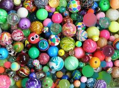 Bouncy balls for party bags