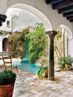 century Andalusian country house in Carmona, Spain Designer Javier González Sánchez-Dalp rehabilitated this country house, a Moorish building of the century sited in Carmona, a town in Seville, Spain. Spanish House, Spanish Style, Outdoor Spaces, Outdoor Living, Casa Patio, Dream Pools, Cool Pools, Exterior Design, Design Interior