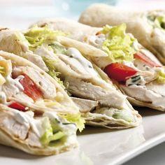 Chicken Caesar Wrap, Outdoor Oven, Fajitas, Chicken Recipes, Recipe Chicken, Tacos, Hamburger, Cabbage, Sandwiches