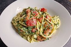 Nudeln mit Spinat, Schafskäse und Tomate Pasta with spinach, sheep's cheese and tomato 3 Pizza Recipes, Grilling Recipes, Veggie Recipes, Cooking Recipes, Healthy Recipes, Spinach Pasta, Soul Food, Food Inspiration, Clean Eating
