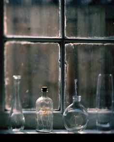 old bottles, leaded glass panes Antique Bottles, Vintage Bottles, Bottles And Jars, Glass Bottles, Vintage Perfume, Antique Glass, Perfume Bottles, Through The Window, Through The Looking Glass