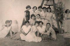Tirebolu'genç kızlar,ÇAN'ın yanında.1950'ler
