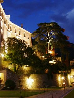 What more could we ask for? #castelbrando #night #sunset #atmosphere #castello #castle #fairytale