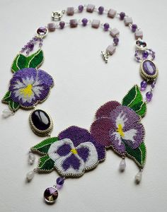 Beautiful embroiderd jewelry by Maria Vukolova | Beads Magic
