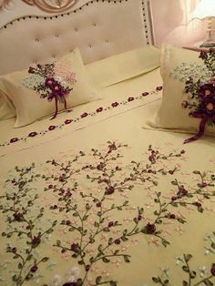 Diy Embroidery Patterns, Ribbon Embroidery Tutorial, Embroidery Flowers Pattern, Silk Ribbon Embroidery, Bed Sheet Painting Design, Bed Cover Design, Designer Bed Sheets, Couch Pillow Covers, Ribbon Work