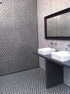 take these monochrome tiles and combine them with greay tadelakt