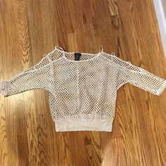 Rue 21 mesh top Open sleeves - mesh, super cute Rue 21 Tops Tees - Long Sleeve