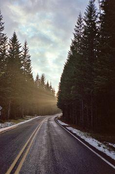 Estrada e raio de sol.