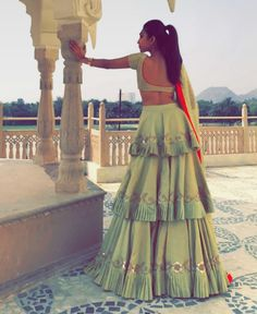 Latest Collection of Lehenga Choli Designs in the gallery. Lehenga Designs from India's Top Online Shopping Sites. Indian Fashion Dresses, Indian Bridal Outfits, Indian Gowns Dresses, Dress Indian Style, Indian Designer Outfits, Ethnic Fashion, Fashion Outfits, Choli Designs, Lehenga Designs