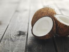 3 Easy Ways to Use Coconut Oil for Hair