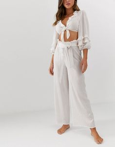 Fashion Union beach co-ord with tie crop top and high waist culottes in stripe at ASOS. Tie Crop Top, Crop Tops, New Fashion, Fashion Online, Stripes Fashion, Vintage Cotton, Asos, High Waist, Beach