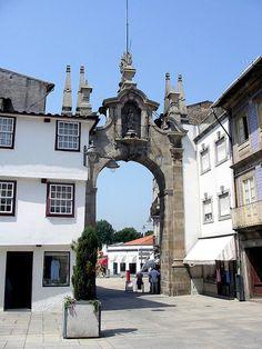 Braga  Portugal  Arco da Porta Nova - antiga entrada da cidade